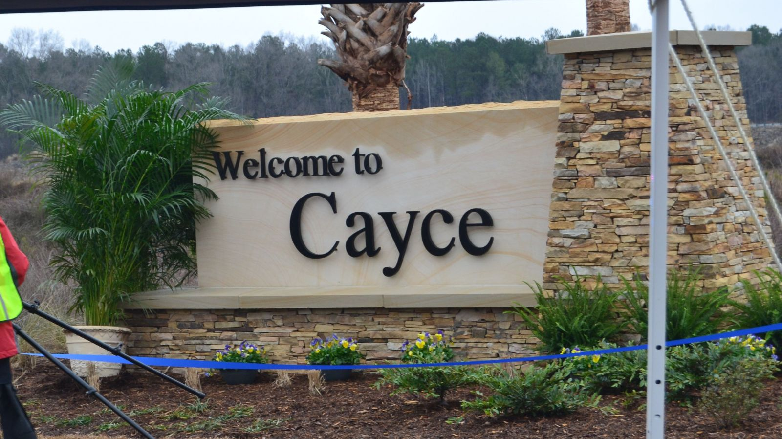 SCANA Corporation and City of Cayce dedicated its new welcome sign Friday. (Photo/Travis Boland)