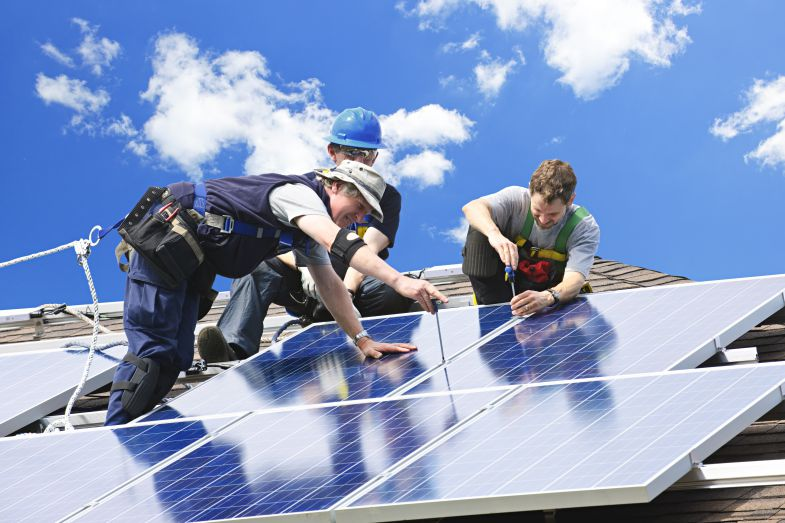 Solar energy is becoming more popular as consumers seek cleaner energy options. (Photo/Shutterstock)