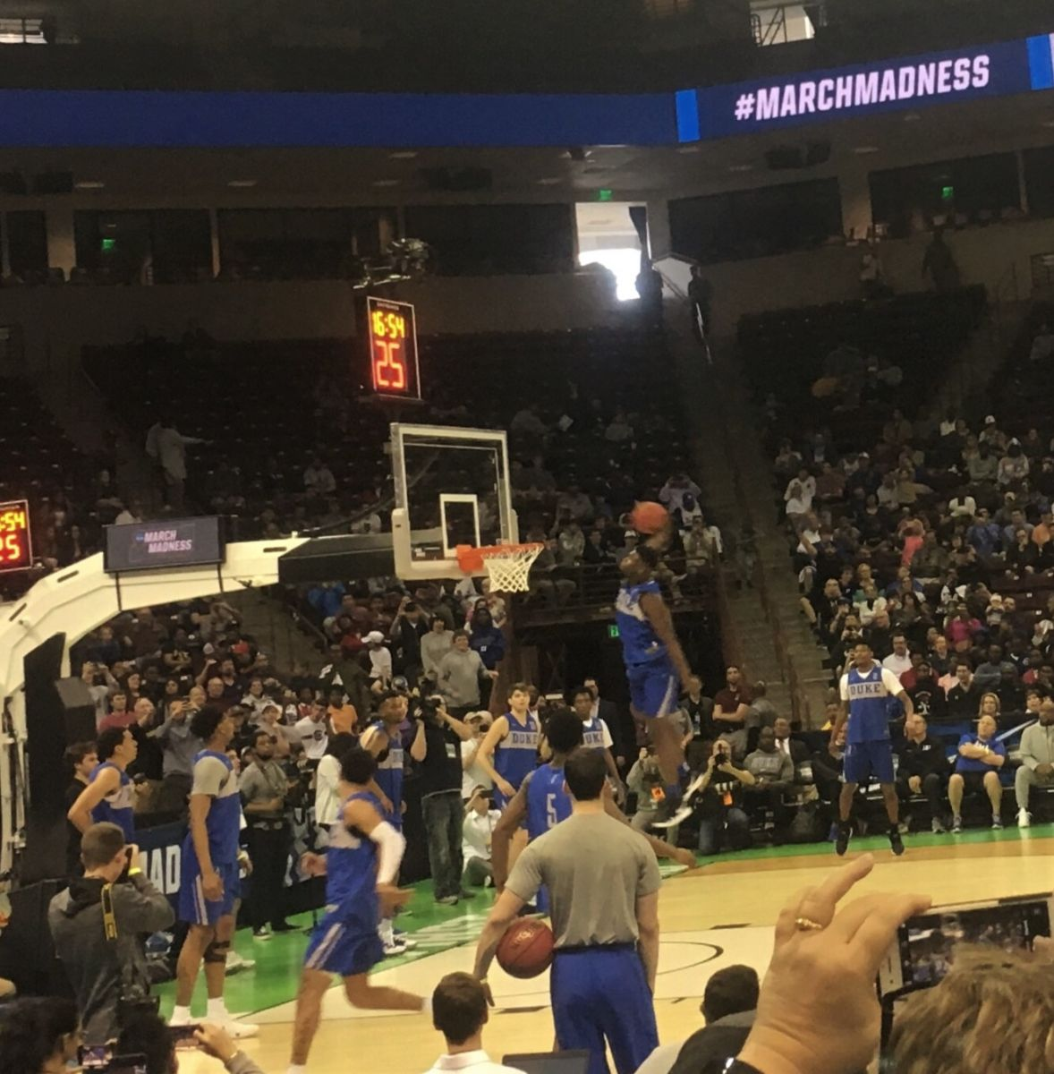 Duke's Zion Willamson goes up for a dunk during Thursday's NCAA regional practice that brought an estimated crowd of 5,000 to its feet. (Photo/Staff)